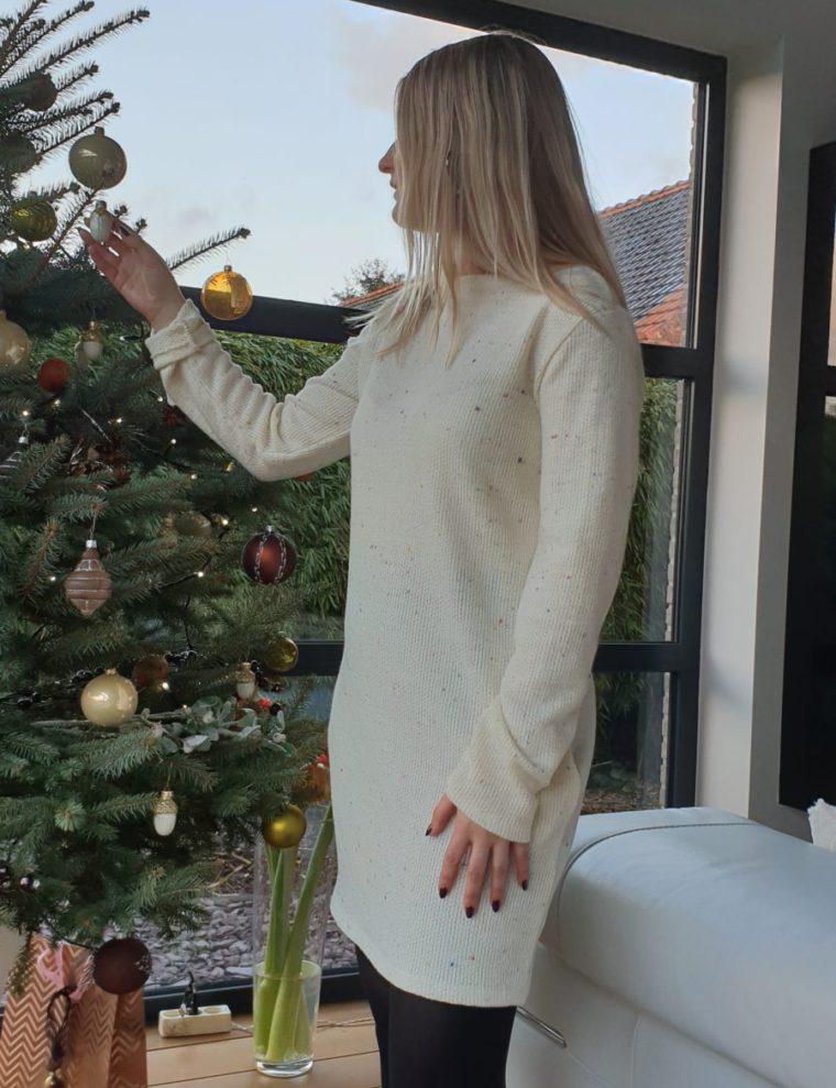 Gloria's white Dress