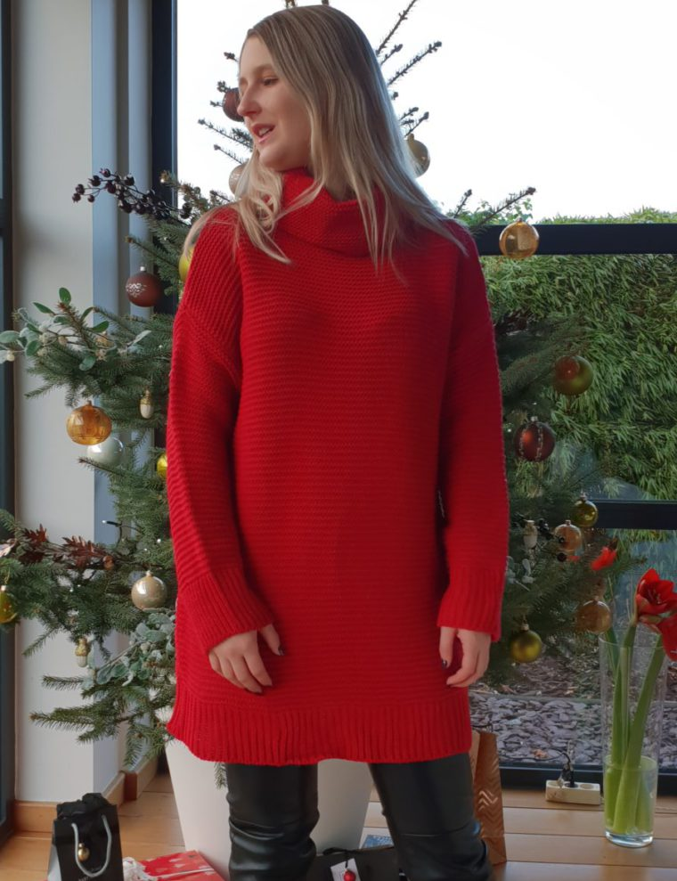 Red maxi sweater